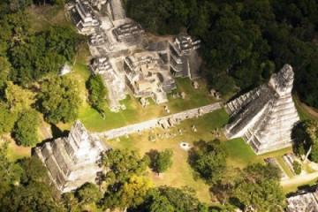 Maya-Stätte Tikal in Guatemala