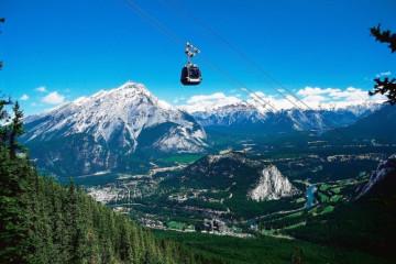 Banff ©Travel Alberta by Brewster Attractions