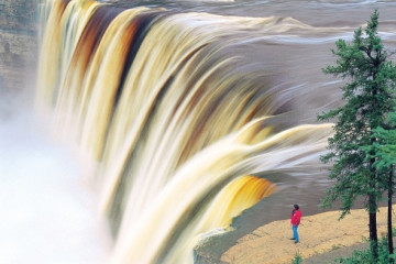 Alexandra Falls im Twin Falls Gorge Territorial Park ©NWT Tourism, Terry Parker