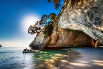 Coromandel, Cathedral Cove ©Tourism New Zealand, Legend Photography