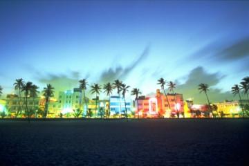 Miami Ocean Drive ©Visit Florida