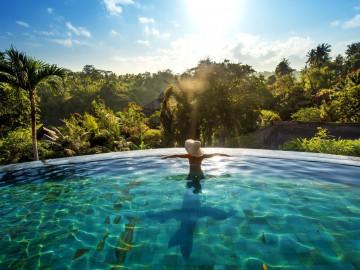 Reise Indonesien: Baden im Dschungel