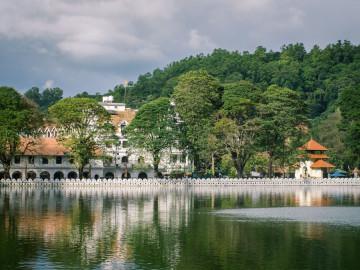 Sri Lanka Urlaub - Kandy Zahntempel
