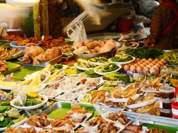 Thailand Reise: Markt in Mae Hong Son
