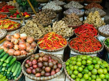 Reise Vietnam: Früchte und Gemüse - Markt in Hanoi