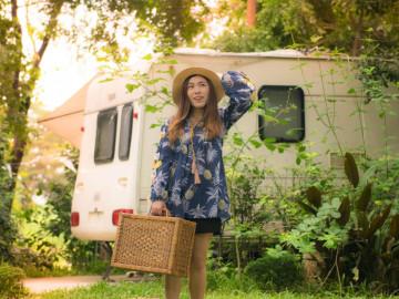 Frau Campingplatz