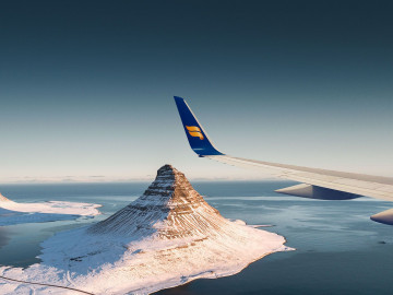 IcelandAir über Island; CC: IcelandAir