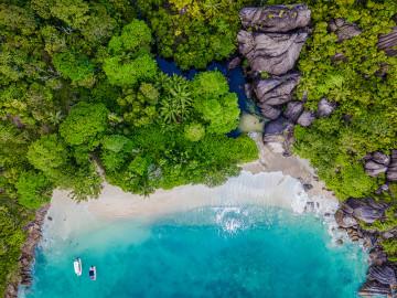 Landschaft Anse du Riz - Copyright Paul Turcotte Tourism Seychelles