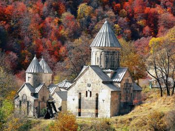 Blick auf Kloster Haghartsin - Copyright Vizarm Travel